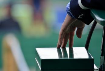 Tennis Umpire's hand
