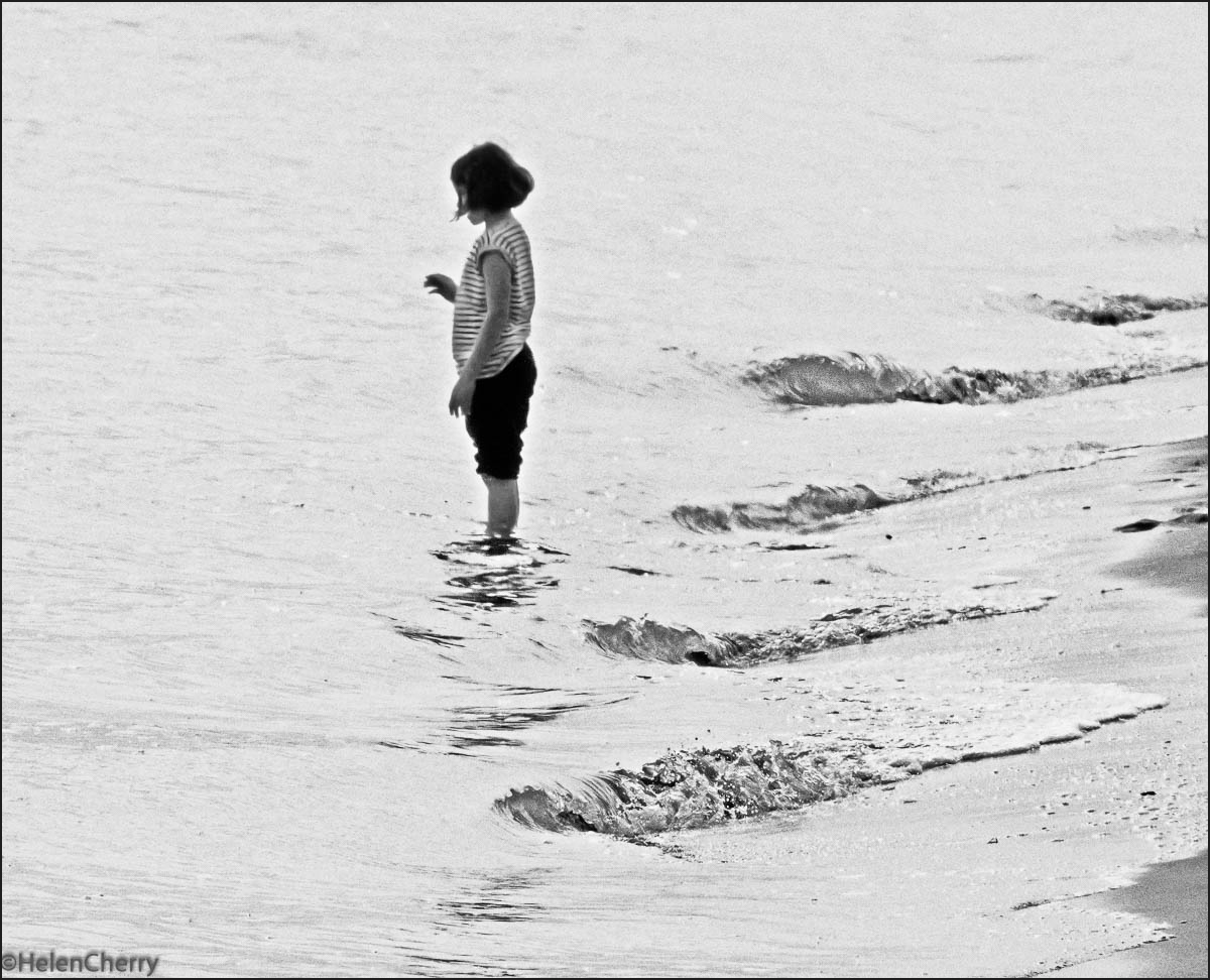 Girl paddling (1 of 1)